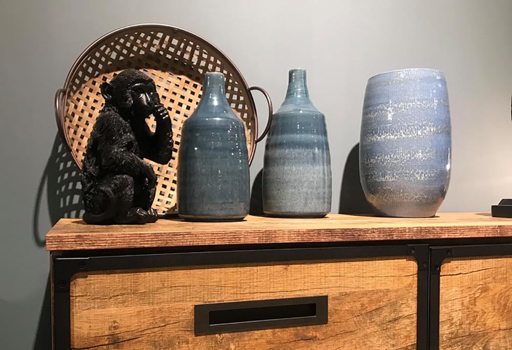 beelden in het interieur, zwarte aap